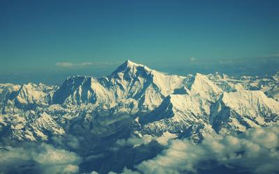 mount-everest-14429-400x250.jpg